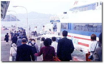 松山と門司港を結ぶシーマックスは年間8万人を運ぶ