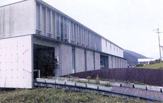 98年オープンの「詩とメルヘン絵本館」
