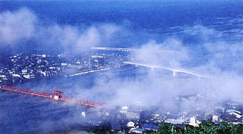 『肱川あらし』がみられる「長浜大橋」