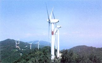 巨大な11基の風車を眺望できる「せと風の丘パーク」