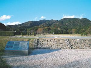西日本の政治、外交、軍事を司った大宰府政庁跡