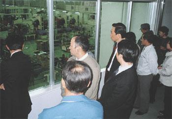 見学コースが整備されているカンロ(株)ひかり工場