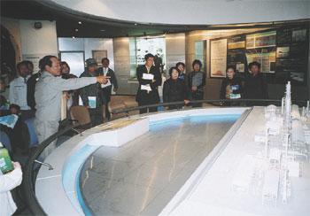 出光興産(株)徳山製油所のプラント模型