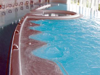 バーデハウス室戸の温浴プール