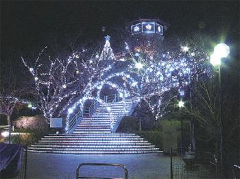 牛岐城址公園「恋人の聖地」