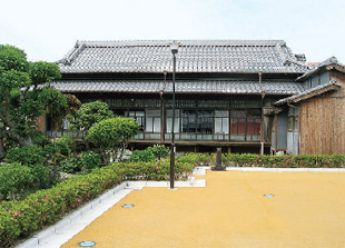 画像:百帖座敷の外観