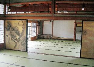 画像:百帖座敷の内部