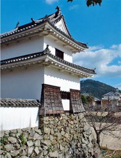 画像:三の丸南隅櫓(国指定重要文化財)