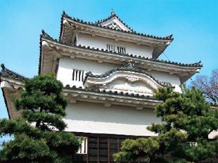 画像:3層3階の日本一小さな天守