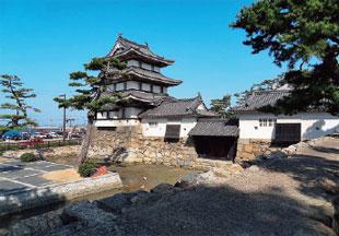 画像:月見櫓・水手御門・渡櫓