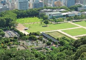 画像:二之丸史跡庭園と堀之内