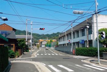 画像:島内唯一の信号機
