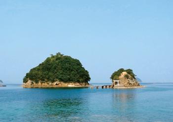 画像:サイクリングコース途中にある小高島と竜王島