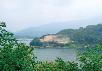 画像:望橋園から望む九島大橋の建設予定地