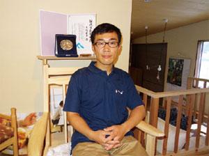 ヒノキの家具を日本の文化にしたいと語る大島社長