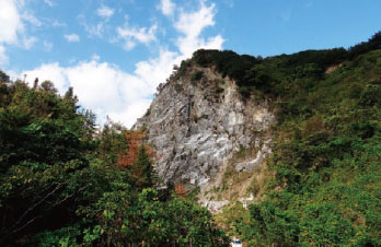 画像:石灰山