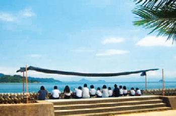 画像:海テラス給食