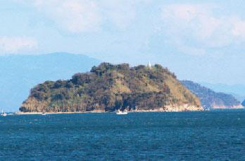 画像:クダコ島と灯台