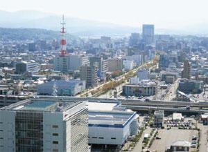 石川県庁より金沢駅方向を望む