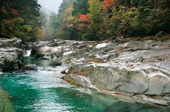 秋の面河渓・紅葉河原