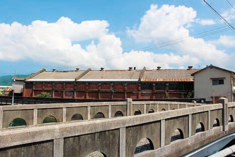 旧東洋紡績川之石工場と美名瀬橋
